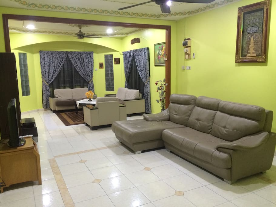 Spacious living room with Sofa and TV with Astro