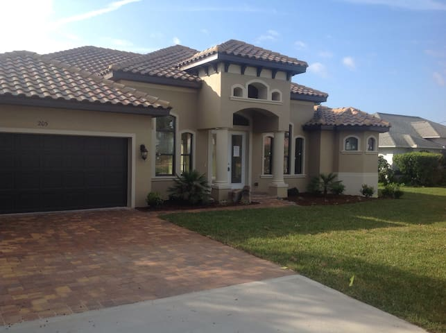 New Spanish villa beside ocean and on golf course - Flagler Beach