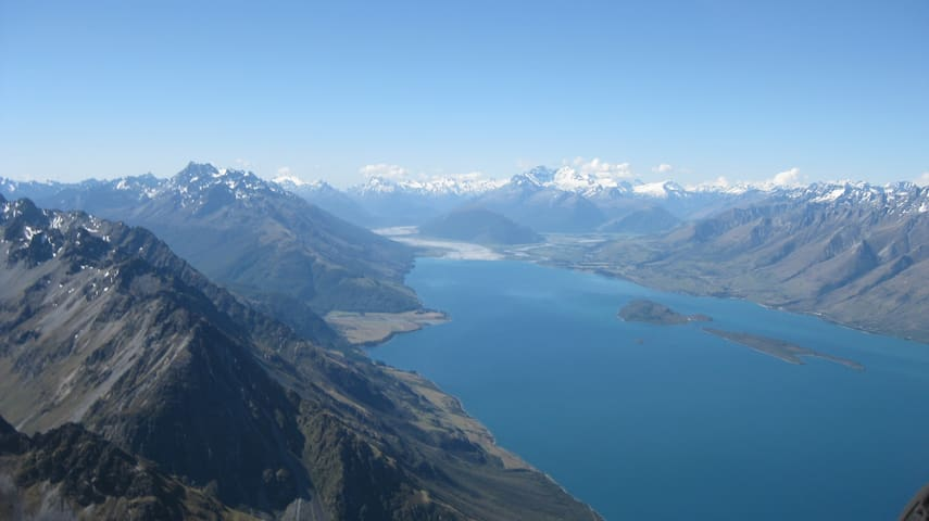 Value & Views in Queenstown - Fernhill - Flat
