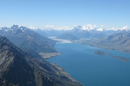 Value & Views in Queenstown - Fernhill - Apartemen