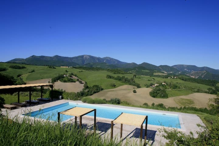 Acace -Casa Panoramica con piscina - Cagli - Casa