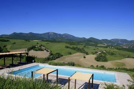 Acace -Casa Panoramica con piscina - Cagli