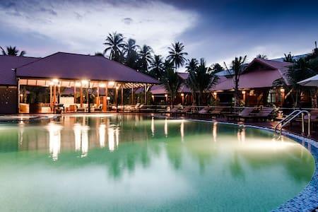 MaikaewDamnoenResort-Coconut Village - Damnoen Saduak