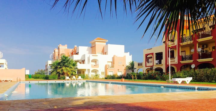 Superbe appart jardin,piscine,plage wifi