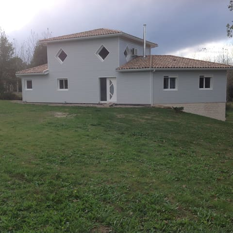 Très belle maison contemporaine - Villefranche-du-Queyran - Dom