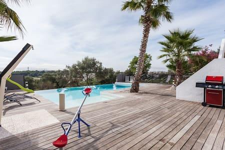 villa moderne sur le golf  classée
