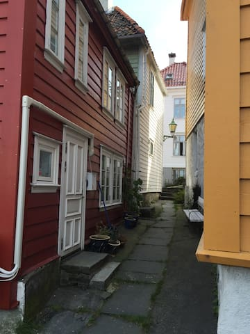 Room in Charming House, in center of Bergen - Bergen - Dům