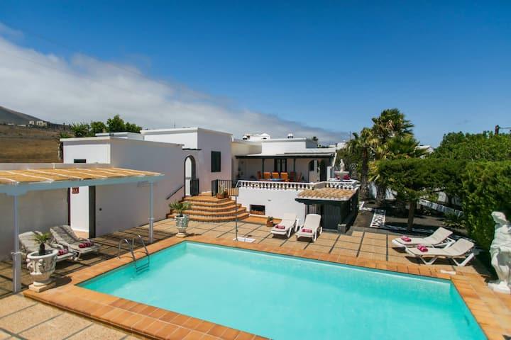 Villa Nicole, 4 Bedroom Villa