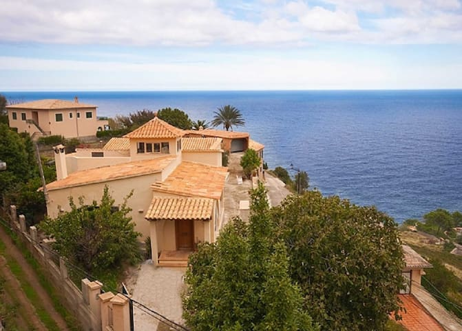 Guests House - excellent sea views - Banyalbufar - Bed & Breakfast
