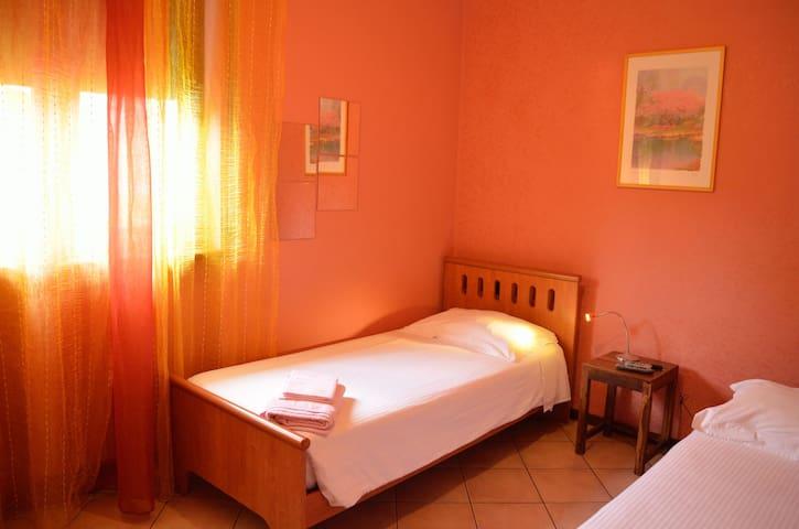 Stanza singola vicino a Verona - Pedemonte - Bed & Breakfast