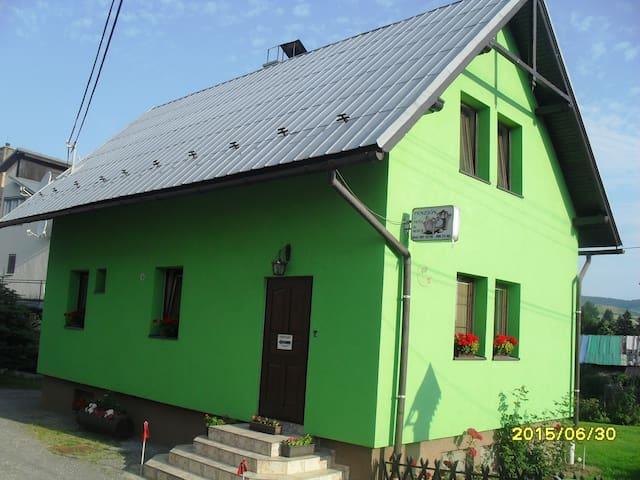 Penzión u Peťa - Hruštín - Dom
