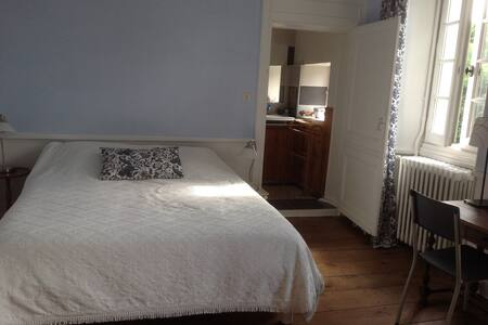 Chambre accueillante et lumineuse - Bed & Breakfast