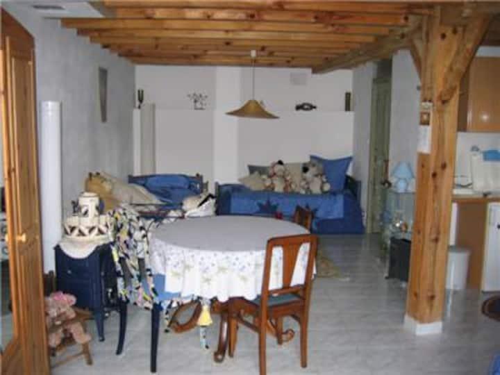 1 Room Flat Le Haou