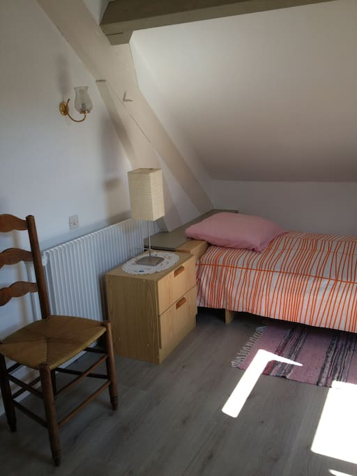 Chambre meublée Julie (UCO, ESA, CCI) - Houses for Rent in ...