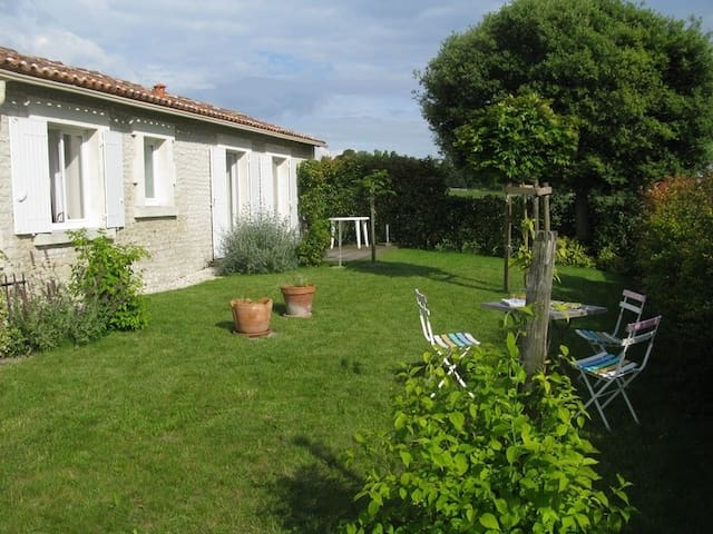 Cottage in the heart of Cognac - Juillac-le-Coq - Haus