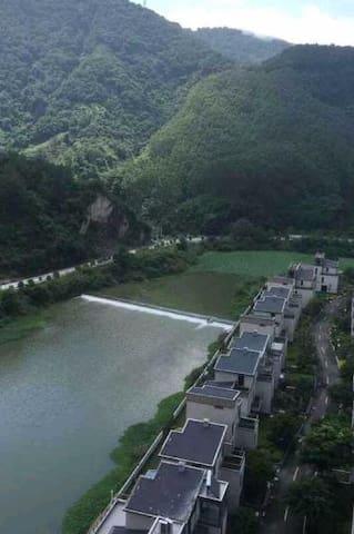 清静、清风,还可枕着潺潺溪水入眠,浪漫情侣度假房 - Fuzhou