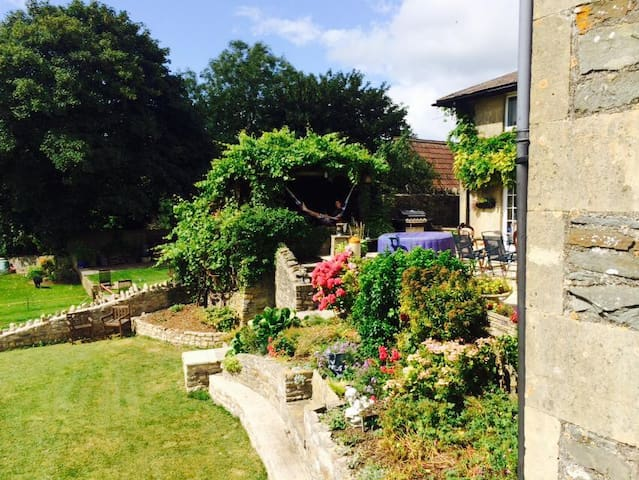 Country house  20 minutes to Bath, Bristol & Wells - clutton - Dom