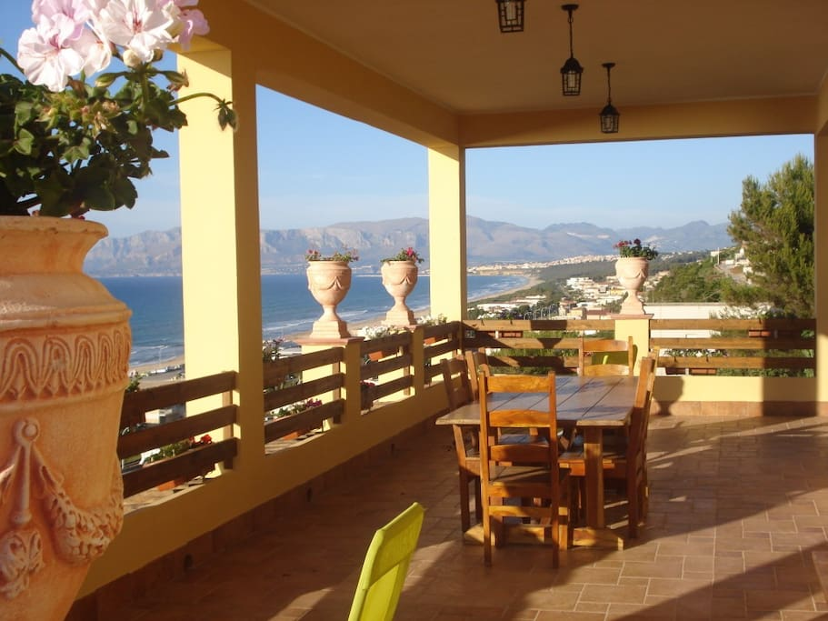 Villa neruda residence 5 lune houses for rent in alcamo for Rent a home in italy
