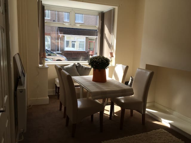 New 2 bed ensuite f/furnished house - Cleethorpes - Casa