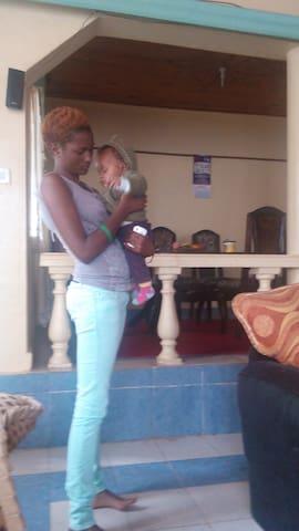 We are a loving family - Nairobi - Haus