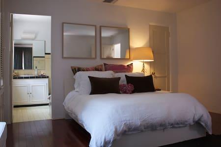 Luxury Room in Beverly Hills