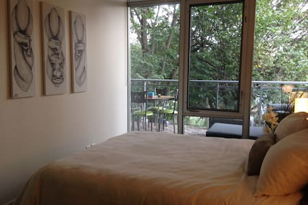 One bedroom in a new apartment. Well located at the corner of College & Ossington