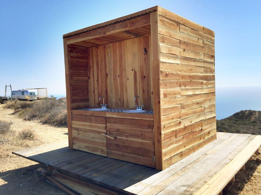 Salle d'eau extérieure
