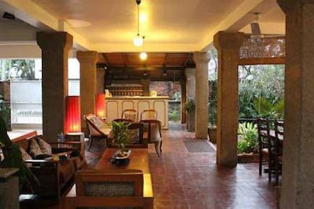 Private Room at a Bed & Breakfast - Dehiwala-Mount Lavinia