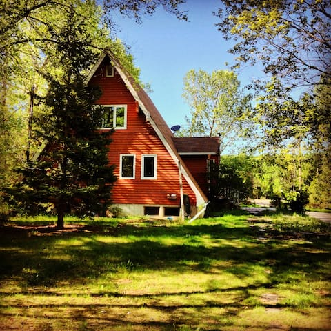 Cozy cottage near Birds Hill Park - East Saint Paul - Talo