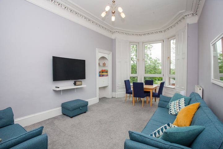 Stunning 2 bed flat in the heart of Finnieston