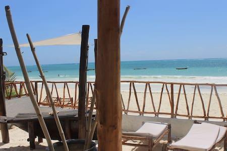 Luxury villa on the beach - Kiwengwa - Villa