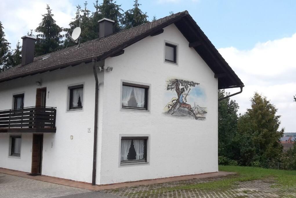 haus hanne wohnung f r 2 bis 9 personen h user zur miete in kraiburg bayern deutschland. Black Bedroom Furniture Sets. Home Design Ideas