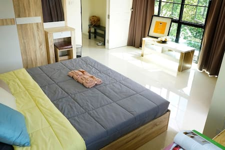 Cozy Bedroom+Living Room Near DMK airport - Bangkok - Apartament