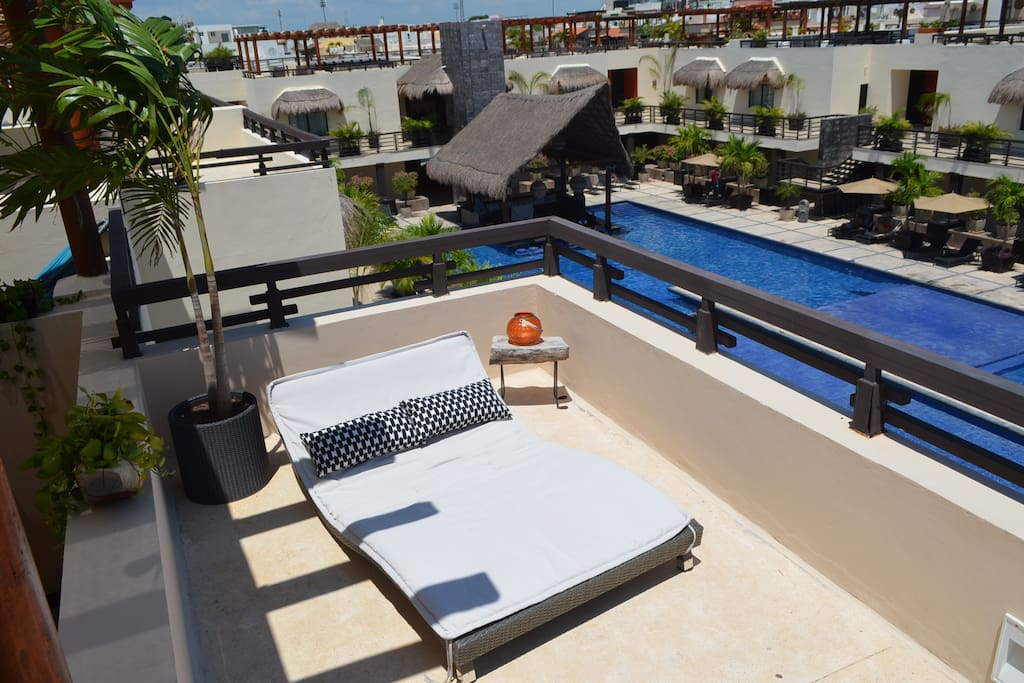 Rooftop lounging bed