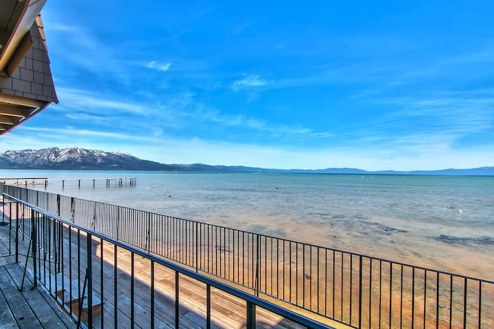 AMAZING LAKEFRONT GETAWAY!!! - South Lake Tahoe - Apartment