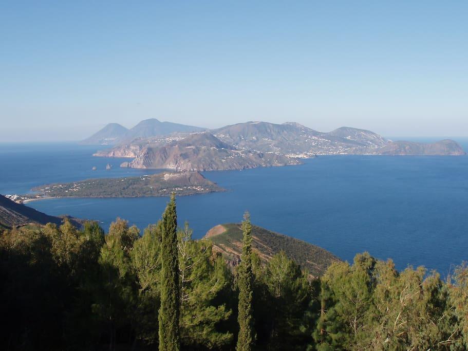 """vista di Vulcanello da"""" Capo Grillo"""""""