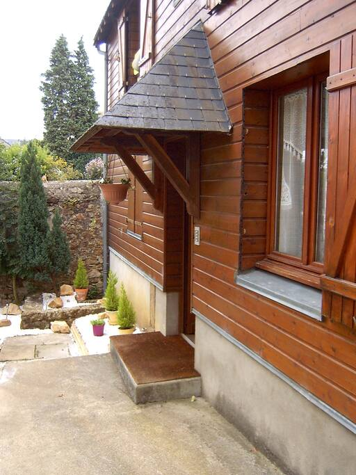 Meuble pour 2 a 4 personnes flats for rent in le mans for Meuble gauthier le mans