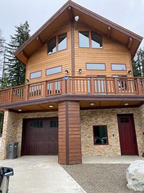Ski Lodge Snoqualmie Pass