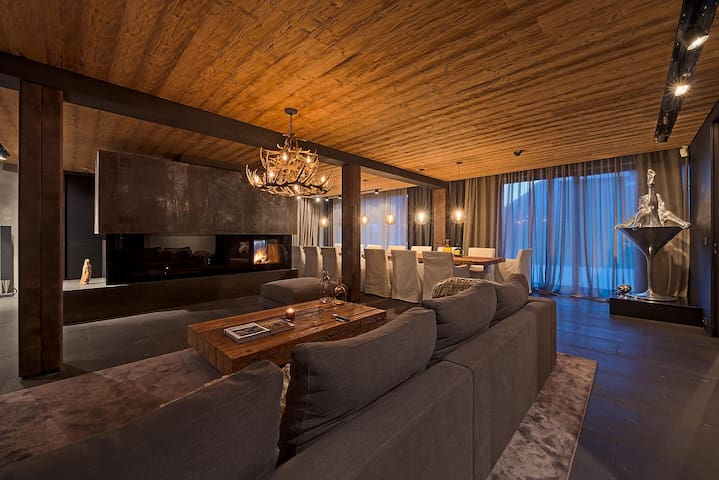 Luxury 3 bd 3.5 bth + Sauna & Pool close to Ischgl