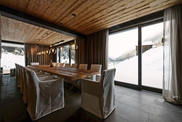 Luxury 3 bd, 3.5 bth + Sauna & Pool - Kappl - Flat
