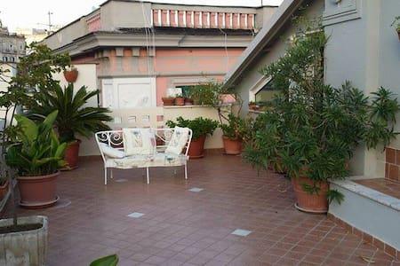 Monolocale privato con terrazzo - Napoli