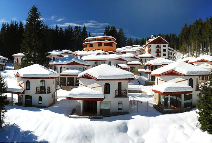 "Affordable ski chalet in ""Narnia""  pine forest - Pamporovo - Vila"
