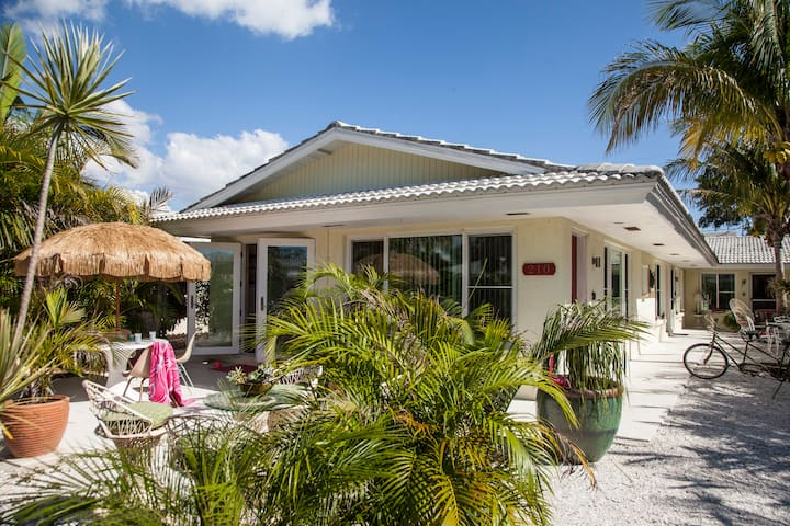 Lido Beach House - 2 bedroom - Sarasota - Apartamento