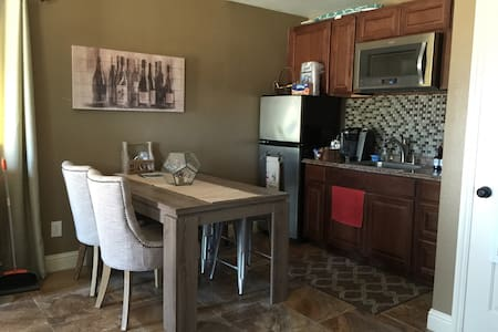 Cozy casita in wine country. - Cotati - Huis