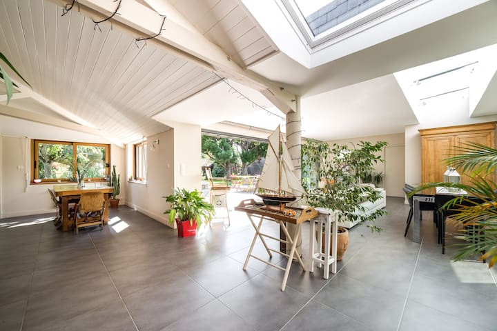 chambre maison de charme dans bourg - Pluneret - Huis