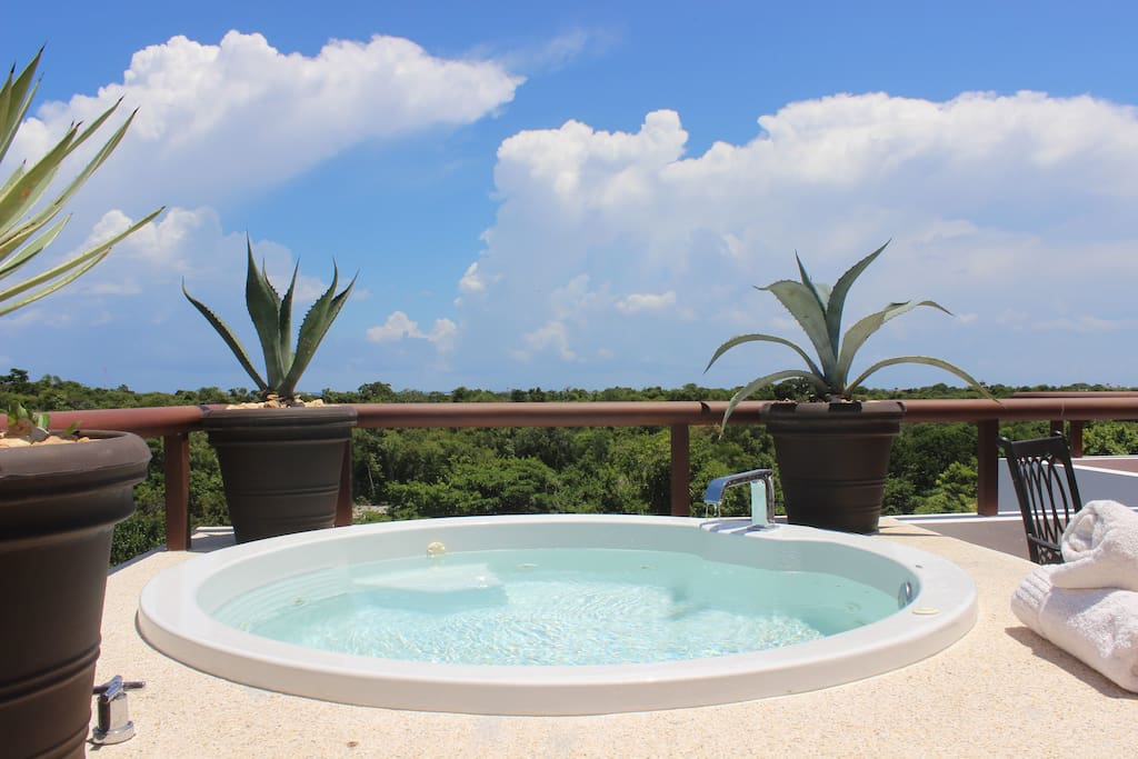 Jacuzzi at Rooftop Terrace