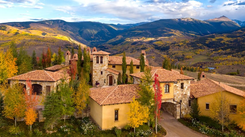 Il Podere: Illustrious Sprawling 230-Acre Estate in Cordillera
