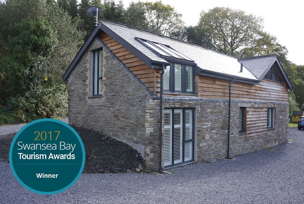 Ty Gambo modern holiday cottage