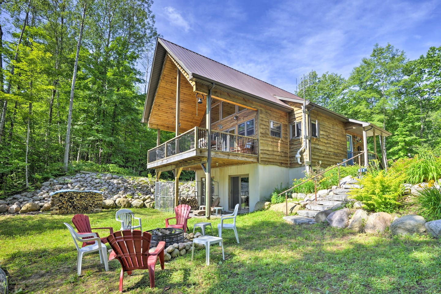 Treat yourself to a relaxing retreat to Upstate New York!
