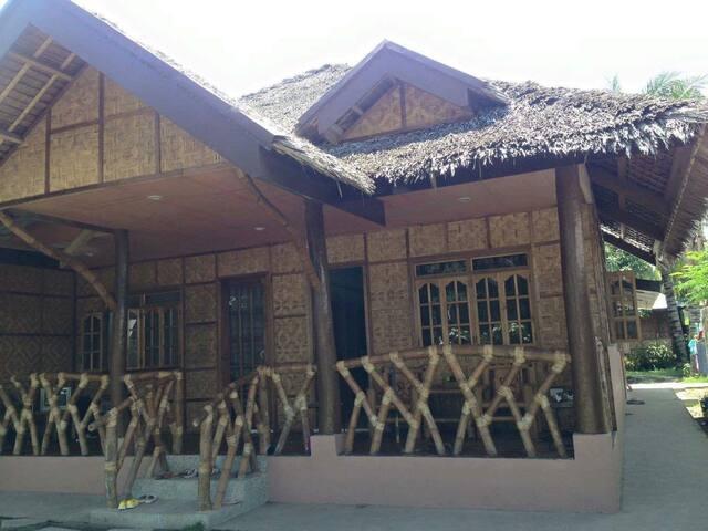 Santi`s comfy cottages - Negros Oriental - Cabane